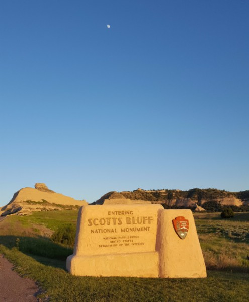 Scott's Bluff National Monument and the Moon